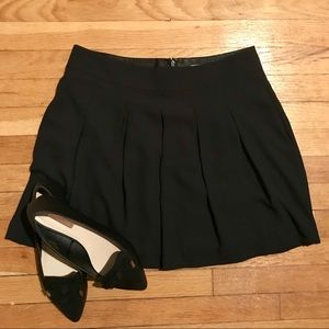 Banana Republic Black Pleated Mini Skirt